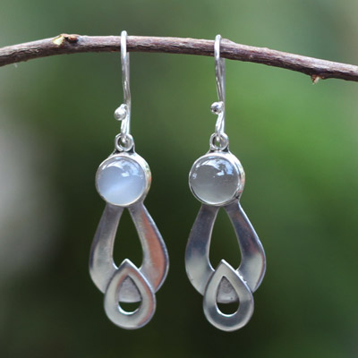 'Love Inverted With Moonstone