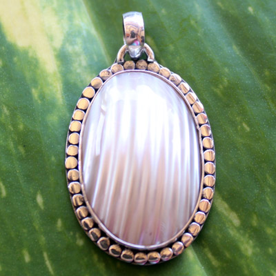 'Oval shell with flat jawan