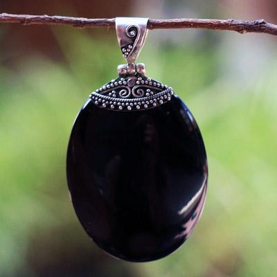 'Black oval pendant