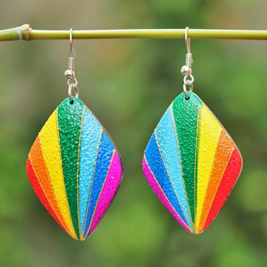 Rhomboid Rainbow Stripe